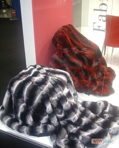 Composizione coperte Chinchillà naturale e rosso